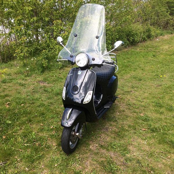 Vespa-LX-50-snor-25-km--2-takt-Almere-scooter1