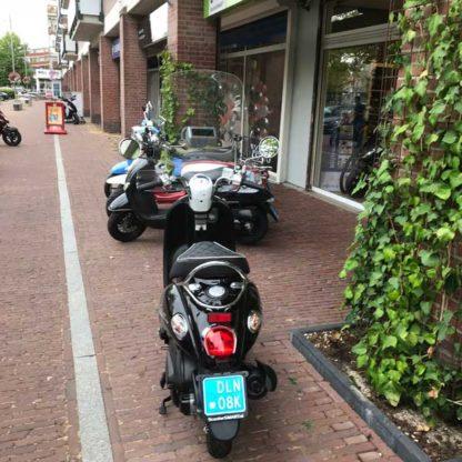 ScooterSMART-Kymco-Sento-gebruikte-Scooter-zwart-wit-panda-Almere-snorscooter